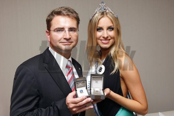 Luboš Říha a Denisa Mendrejová.