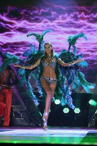 Denisa si vo voľnej disciplíne zvolila latinsko-americký tanec- sambu.