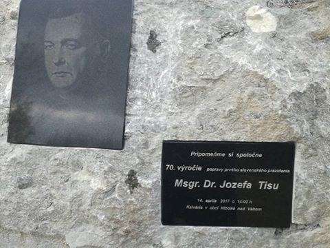 Pamätná tabuľa Jozefa Tisa