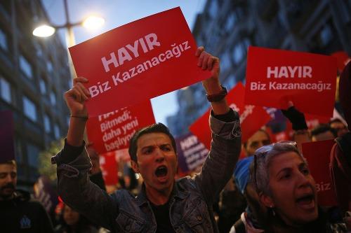 Protestujúci Turci