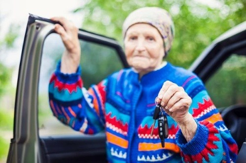 Babička (83) šoférovala domov,