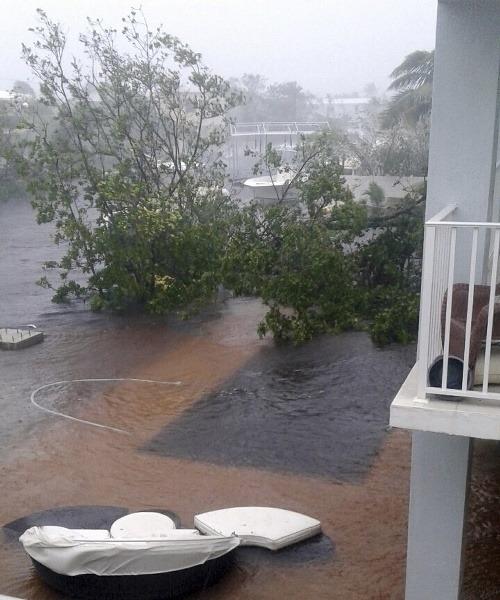 Hurikán Irma dorazil a