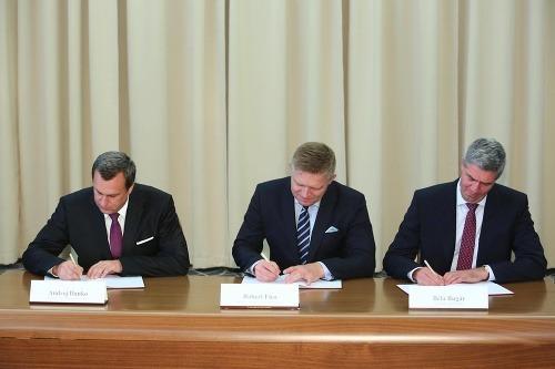 Podpisovanie dodatku ku koaličnej