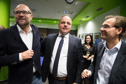 Zľava: Predseda SAS Richard