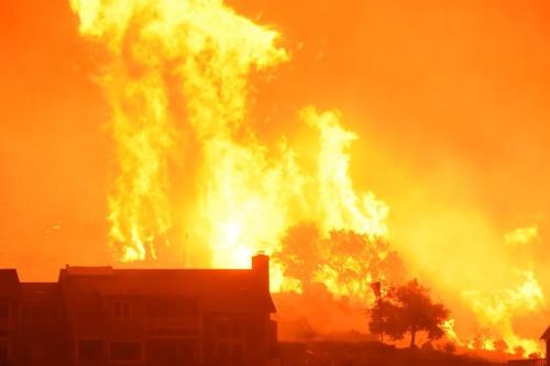Ničivé požiare v Kalifornii.
