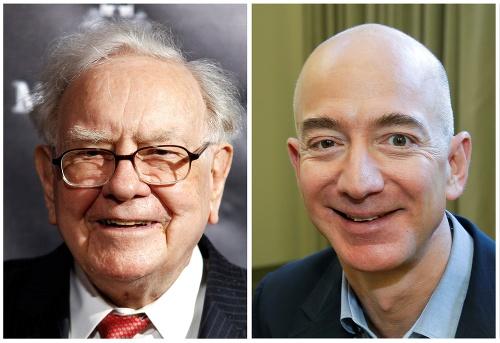 Warren Buffet (vľavo) a
