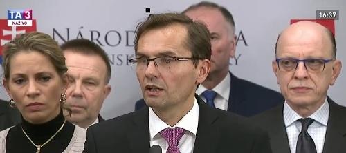 Ľubomír Galko počas tlačovej