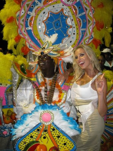 Denisa si nedala ujsť karneval Junkanoo.