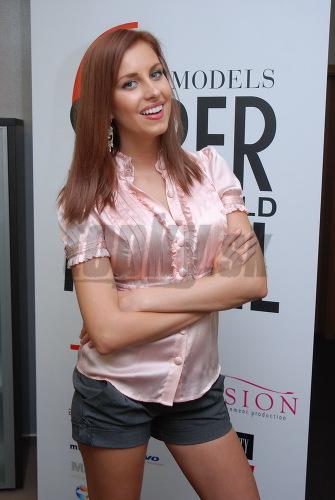 Denisa Mendrejová s novou farbou vlasov.