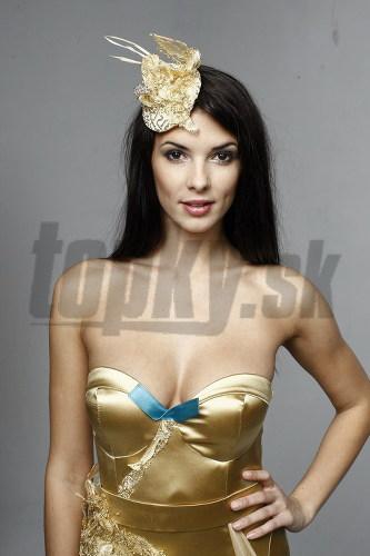 Soňa Skoncová v modeli od Andrey Paldan.