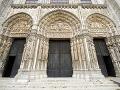 Katedrála v Chartres ukrýva