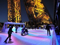Klzisko na Eiffelovej veži,