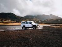 Autom okolo Islandu: Užitočné tipy pred cestou do krajiny ľadu a ohňa