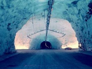 Nórsko - najdlhší cestný tunel na svete s dĺžkou 24,5 kilometra