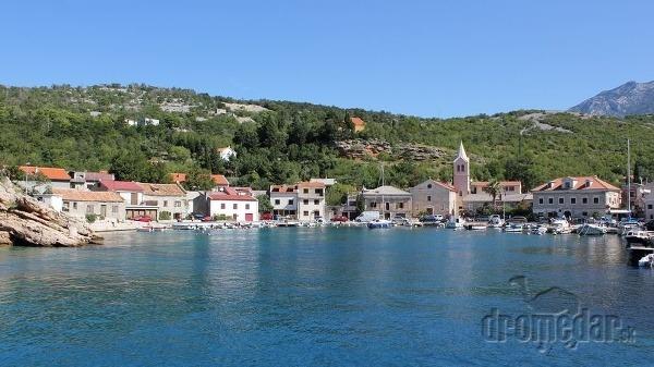 Malebný prístav Jablanac, Chorvátsko