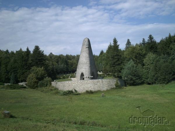 Pamätník na Duklianskom priesmyku