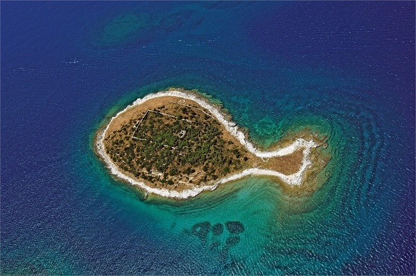 Gaž, jeden z ostrovov