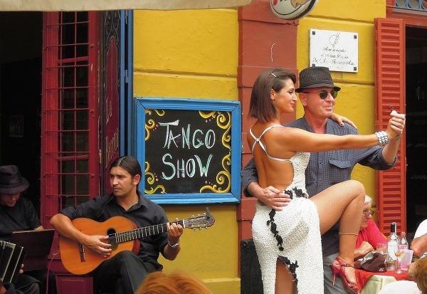 Futbal, tango a steaky: