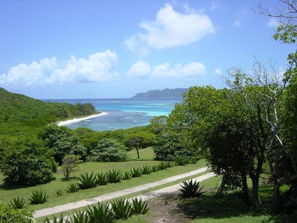 Malý Svätý Vincent, Grenadína