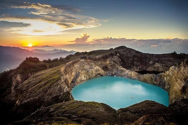 Sopka Kelimutu, ostrov Flores,