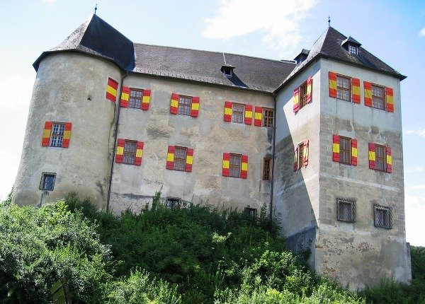 Rittenburg Lockenahus, Rakúsko