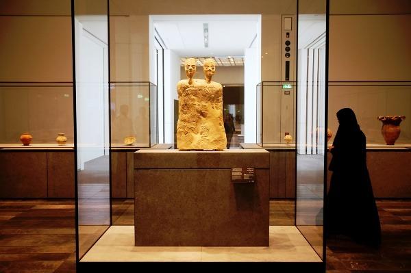 Louvre, Abú Zabí, Spojené