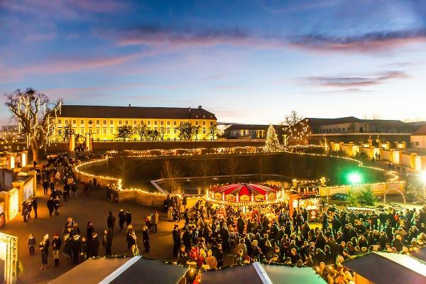 Vianoce v Schloss Hofe
