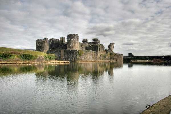 Hrad Caerphilly, Wales