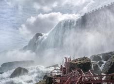 Pohľad na vodopády