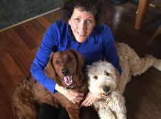 Denise Krohnová sa stará o dvoch psíkov, bojuje za práva zvierat.