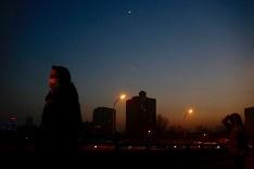 Peking zahalený hustým smogom
