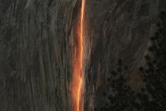 Prírodný úkaz v Yosemitskom národnom parku
