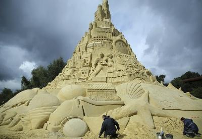 Najvyšší pieskový hrad na svete.