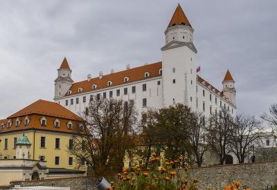 Bratislavský hrad počas jesene