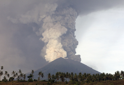 Sopka sa prebudila k životu