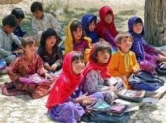 Afganské deti v škole