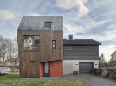Odvážne rozšírenie rodinného domu, ktoré okolie prijalo rozpačito