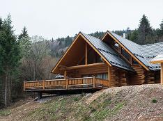 Nádherná zrubová chata na Táloch, do ktorej by ste sa hneď nasťahovali