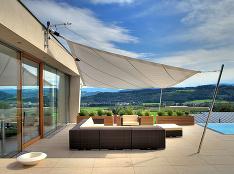 Podľa čoho si vybrať tienenie na okná rodinného domu?