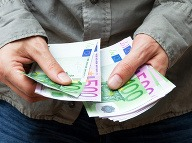 Odborári navrhujú zvýšiť minimálnu