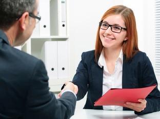 Nezabudnite na pravidelné návštevy na úrade práce, aby ste neprišli o dávku