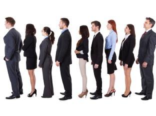 Analytici: Nezamestnanosť by mala stagnovať alebo mierne rásť