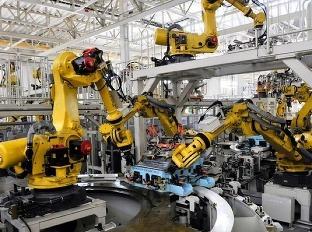 Roboti šliapu pracujúcim ľuďom na krk