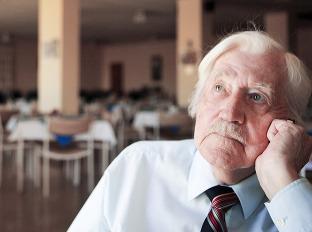 Vek odchodu do dôchodku sa opäť predlžuje: Užijeme si vôbec penziu?