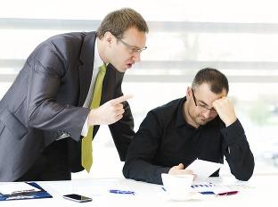 Dovolenka len z donútenia: Môže si šéf robiť, čo chce?