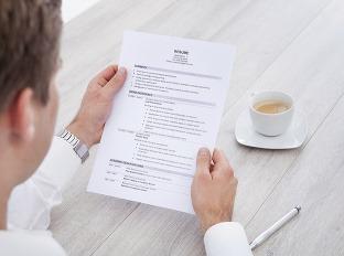 Zbytočnosti v životopise: Toto by ste do vášho CV písať nemali