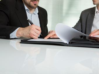 Dovolenka nasilu: Môže vás zamestnávateľ prinútiť vziať si voľno?