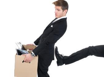 25 hlúpych zvykov, ktoré sú pre vašu kariéru klincami do rakvy: Toto v práci prestaňte robiť