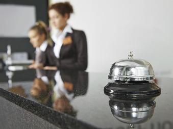 Majitelia hotelov a reštaurácií sú zúfalí: Ponúkajú prácu, nemá ju však kto robiť