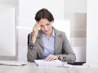 Váhate, či si založiť živnosť alebo eseročku? Zistite, čo sa vám oplatí viac